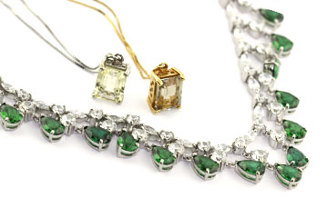 necklaces_jewelry stores