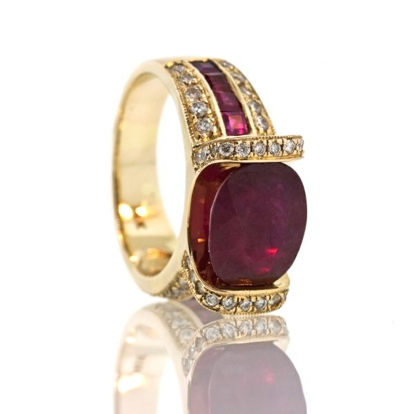 Ruby gold ring 0O001A33949_04