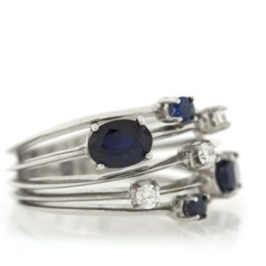 Sapphire gold ring LO001A6139_01